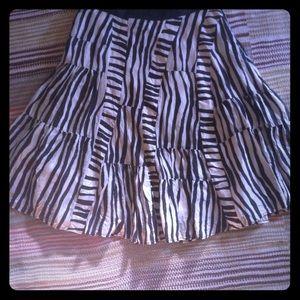 Anthropologie Sz 4 Skirt - black white full